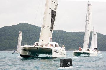 Phuket Raceweek 20122. DaVinci in the lead at the top mark.