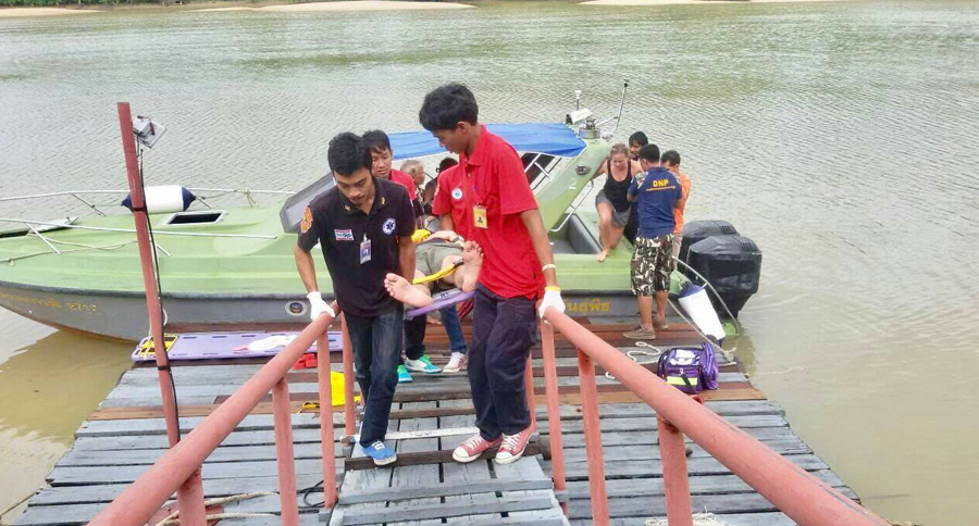 Injured passengers being brought to shore after another speedboat incident in the Andaman region