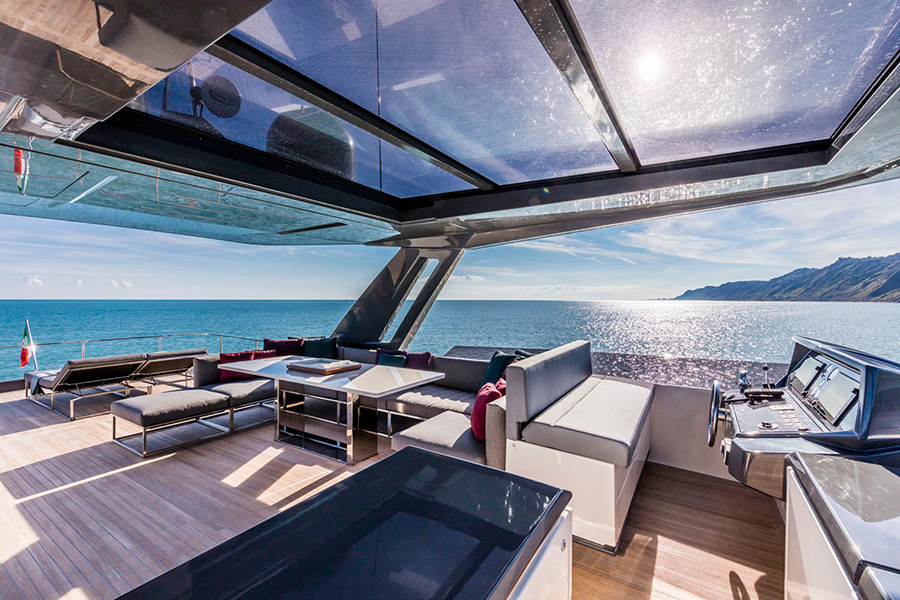 The sun deck on the Ferretti Yachts 850