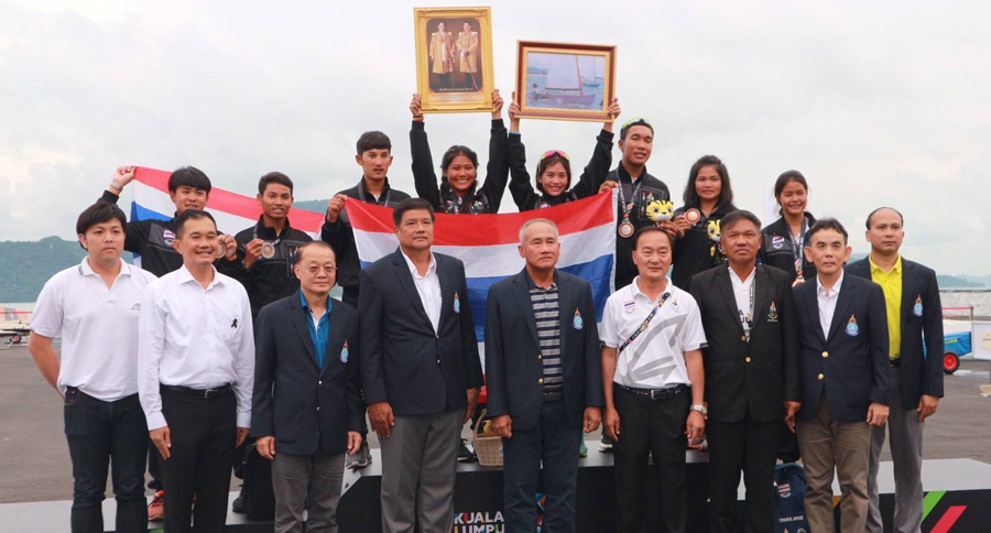 The Thai sailing team, VIPs and supporters celebrating at the 2017 SEA Games