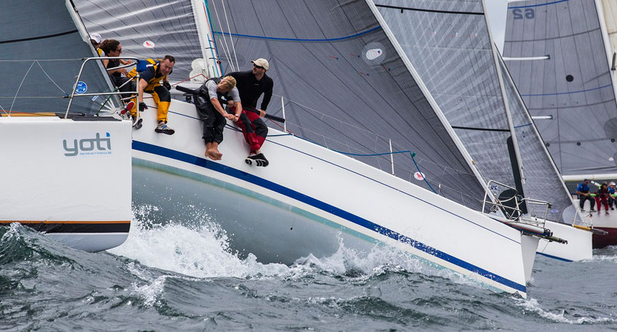 Sydney 38s get up close and personal. Sydney Short Ocean Racing Championship